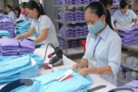 Dệt may Việt Nam nên theo hướng mua nguyên liệu, bán thành phẩm.
